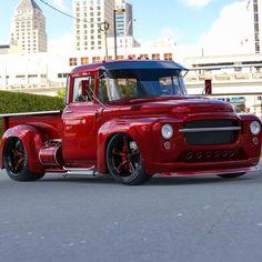 classic cars vintage #Classictrucks Classic Pickup Trucks, Old Pickup Trucks, Chevy Trucks, Lifted Chevy, Dually Trucks, Diesel Trucks, Cool Trucks, Big Trucks, Cool Cars