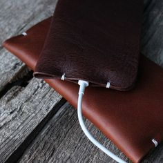 This is a simple and stylish handcrafted leather case for iPhone, beautiful made with quality leather. Its a genius design for your iPone. Just a simple push to slide your phone in and out from the side of the case. It also provide a cutout on the bottom to access the audio and charging connector. Its unisex design makes it a perfect gift for him and her. -Material : Italian Vegetable-Tanned Leather -Luxurious Texture, soft to touch -Handmade item I accept custom order. If you would like a…