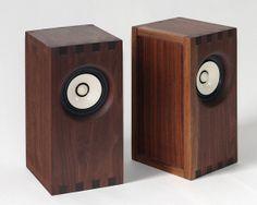Sparrow Bookshelf Speakers by bekerwerksDesign on Etsy Open Baffle Speakers, Small Speakers, Music Speakers, Sound Speaker, Monitor Speakers, Diy Speakers, Bookshelf Speakers, Speaker Box Design, Speakers