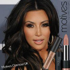Kardashian style – My hair and beauty Kim K Makeup, Hair Makeup, Makeup Ideas, Nude Makeup, Black Makeup, Look Kim Kardashian, Kardashian Family, Dying My Hair, Top Hairstyles