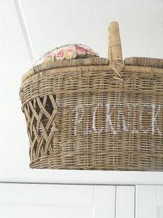 Do you have a favorite picnic basket?