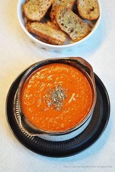 An kalten Tagen (wie wir sie ja doch immer wieder mal haben) ist eine wärmende Suppe etwas Besonderes für mich. Sie gibt einem ei...