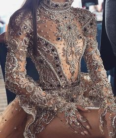 Pin by Rayyanatu on Prom, Couture and Luxury Dresses in 2019 Glam Dresses, Elegant Dresses, Pretty Dresses, Short Dresses, Fashion Dresses, Fashion Clothes, Stage Outfits, Dress Outfits, Couture Fashion
