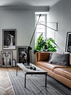 Black And White Small Living Room Interior Design Ideas Home decor ideas Diy home decor Apartment decorating Cozy living room Modern living room Grey living room #Brown Couch #Boho #Bohemian #Eclectic #Cottage #Transitional #Simple #Country #Industrial