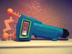 Nickeloden zapper!This was one of the best 90's toys ever with the poster & you can take your shadow & draw on it!!