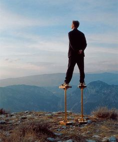Philippe Ramette, Socles à reflexion, 2002
