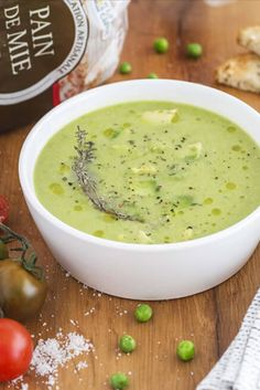 Cheeseburger Chowder, Ethnic Recipes, Food, Green Soup, Vegetable Stock, Eten, Meals, Diet