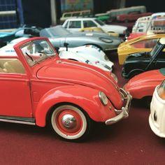 Choosing the right car #brocantwerpen #coolstuff #brocante #volkswagen #antwerpen #vintage #oldtimer #beetle  by brocantwerpen