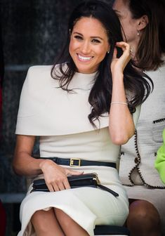 Meghan Markle and Queen Elizabeth Step Out, and Prince Harry Wasn't Invited Meghan Markle Outfits, Meghan Markle Style, Megan Markle Dress, Royal Fashion, Look Fashion, Queen Fashion, Fashion Photo, Fashion News, Lady Diana
