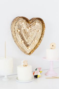 DIY Sequin Marquee Heart | sugarandcloth.com