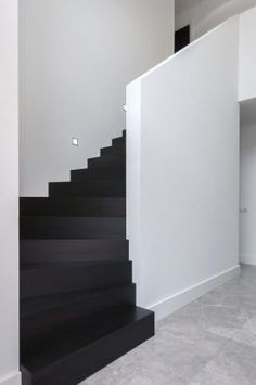 Ideas for wooden stairs architecture Wooden Staircases, Wooden Stairs, Black And White Stairs, Black White, Stair Renovation, Escalier Design, Stairs Architecture, Modern Architecture, Interior Stairs