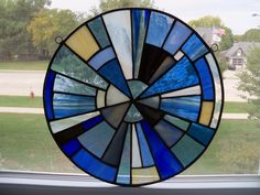 LEADED STAINED GLASS BLUE WHEEL WINDOW HANGING BLUES