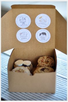 Mail-Order_Cookies_Gifts5