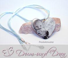 Persönlicher Fotoanhänger Herz, mit Kette, 5 cm von Drum und Dran auf DaWanda.com #Anhänger #Resin # Gießharz #Persönlich #Foto #Individuell #Anlass #besonderer