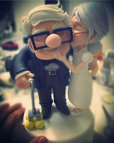 Best wedding cake topper hands down! Love Cartoon Couple, Cute Love Cartoons, Cute Couple Art, Anime Love Couple, Couple Pics, Cute Love Pictures, Cute Love Quotes, Love Images, Cute Cartoon Wallpapers