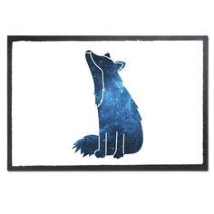 Fußmatte Druck Fuchs Sterngucker aus Velour  Schwarz - Das Original von Mr. & Mrs. Panda.  Die wunderschönen Fussmatten von Mr. & Mrs. Panda sind etwas ganz besonderes. Alle Motive werden von uns entworfen und jede Fussmatte wird von uns in unserer Manufaktur selbst bedruckt und liebevoll an euch verschickt. Die Grösse der Fussmatte beträgt 60cm x 40cm.    Über unser Motiv Fuchs Sterngucker  Füchse kommen auf der ganzen Welt vor. Der Rotfuchs, der Polarfuchs und der Graufuchs sind nur einige…