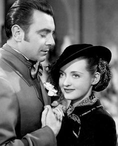 Jezebel Bette Davis as Julie Marsden and George Brent as Buck Cantrell Old Hollywood Movies, Hollywood Actor, Golden Age Of Hollywood, Classic Hollywood, Classic Actresses, Classic Movies, Actors & Actresses, Herbert Marshall, George Brent