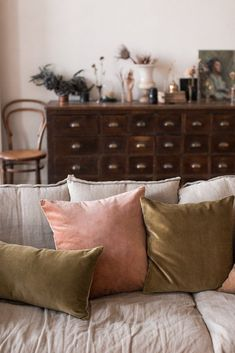 Do You Even Feng Shui? The Ultimate Self-Care, Manifestation + Style Hack Feng shui is the ultimate style hack for … My Living Room, Home And Living, Living Room Furniture, Living Room Decor, Living Spaces, Wooden Furniture, Copper Furniture, Cheap Furniture, Discount Furniture