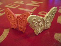 'Flutterby' Knobs - Just beautiful.— at Della's Workshop.