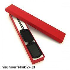 Czarne nieśmiertelniki w eleganckim opakowania! Świetny prezent dla kumpla lub przyjaciela! http://niesmiertelniki24.pl/blaszane_kolorowe,c,1229