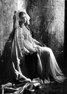 Ophelia (Jean Simmons) ~ Hamlet 1948