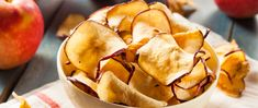Check out our favorite healthy chips that'll keep you on track to reach your weight loss goals and fill your snack cravings! Snacks For Work, Healthy Work Snacks, Health Snacks, Yummy Snacks, Food Swap, A Food, Apfel Snacks, Healthy Chip Alternative, Easy Baked Apples