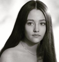Olivia Hussey as Juliet