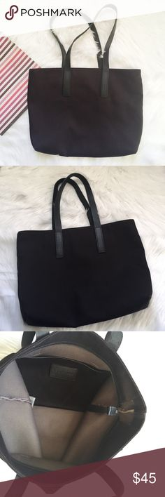 """Everlane The Twill Zip Tote Pre-loved, Like new, Everyday tote, with zip top closure and one interior slip pocket, leather straps with 11"""" shoulder drop, 100% cotton twill, Black Color. 13.5"""" H x 3"""" W x 17"""" L. Please feel free to ask questions.  No trades. Everlane Bags Totes"""