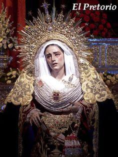 Curiosidades       -Las únicas vírgenes que llevan diadema bajo palio son Ntra. Sra. De los Dolores y Misericordia (Hdad. de Jesús Despojado) y la Virgen de las Aguas (Hdad. del Museo).