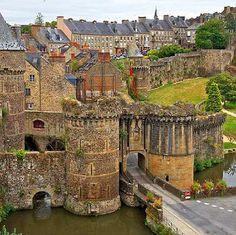 Medieval, Fougeres, France photo via wim