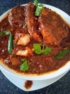 Ms Irene Enoch's Durban Fish Curry Recipe Curry Recipes, Meat Recipes, Seafood Recipes, Indian Food Recipes, Cooking Recipes, Ethnic Recipes, Recipies, Oven Recipes, South African Curry Recipe