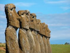 easter-island-heads-have-bodies.jpg (500×375)