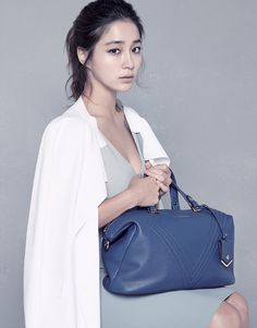 As with its S/S 2014 ad campaign, Vincis Bench's new F/W visuals are influenced by art. In these ads, Lee Min Jung and the brand's latest collection of handbags are a masterpiece, their… Korean Actresses, Korean Actors, Actors & Actresses, Jung So Min, Kdrama Actors, Korean Celebrities, Girl Power, Asian Beauty, Muse