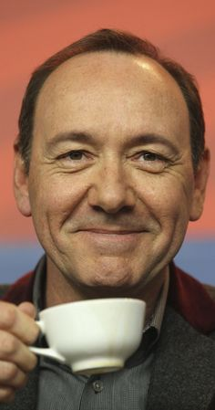 Kevin Spacey revels in his anti-hero president in 'House of Cards' - Global Network Kevin Spacey, House Of Cards, Funny Faces, Picture Photo, Actors & Actresses, Presidents, Hollywood, Hero, Pictures