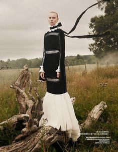 Stephanie Hall by dan smith for Harper's Bazaar China december 2013 fashion Photography inspiration High Fashion Photography, Fashion Photography Inspiration, Photoshoot Inspiration, Editorial Photography, Photography Ideas, Travel Photography, Style Inspiration, Fashion Shoot, Editorial Fashion