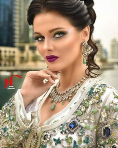 Moroccan Bride, Moroccan Caftan, Beautiful Bride, Beautiful Dresses, Style Marocain, Arab Fashion, Indian Actress Hot Pics, Oriental Fashion, Bride Makeup