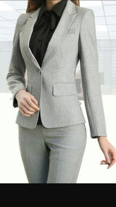 Áo véc Casual Work Outfits, Professional Outfits, Classy Outfits, Pantsuits For Women, Work Dresses For Women, Clothes For Women, Corporate Attire, Business Attire, Court Attire