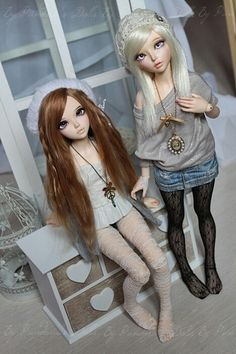 Kinda what i was thinking for my twins. One with blonde hair and one brown hair. Anime Dolls, Blythe Dolls, Girl Dolls, Barbie Dolls, Dolls Dolls, Pretty Dolls, Beautiful Dolls, Pin Up, Realistic Dolls