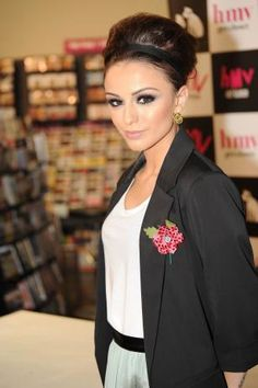 Cher Lloyd, makeup is flawless