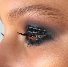 Love this wet looking smoky eye! Very grungy!!!