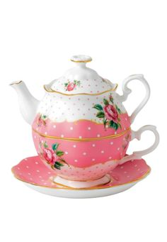 Cute teapot for one