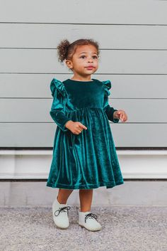 Dress Green velvet Christmas dress for Christmas Shop all Christmas dresses for girls from .Green velvet Christmas dress for Christmas Shop all Christmas dresses for girls from . Winter Outfits For Girls, Girls Christmas Dresses, Winter Dress Outfits, Dress Winter, Toddler Dress, Baby Dress, The Dress, Toddler Girls, Outfits Niños