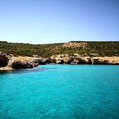 Голубая лагуна-место нереальной красоты на Кипре! Рай на Земле! А вы знаете откуда такое название?  #Cyprus2019 #CyprusButterfly #cyprusisland #bluelagoon  #pafos Cyprus News, Water, Outdoor, Gripe Water, Outdoors, Outdoor Games, The Great Outdoors