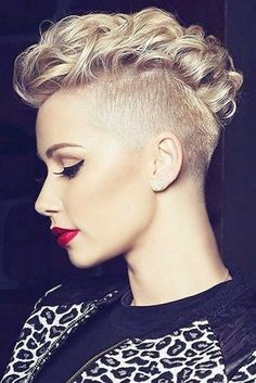Curly Mohawk Hairstyles for Women; trend hairs in Curly Mohawk Hairstyle with Flat Twists Mohawk Hairstyles For Women, Pixie Hairstyles, Braided Hairstyles, Cool Hairstyles, Hairstyles 2018, African Hairstyles, Wedding Hairstyles, Mohawk Braid Styles, Curly Hair Styles
