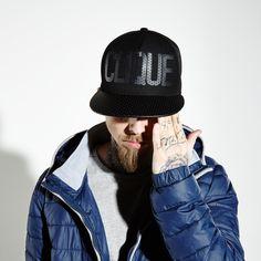 http://www.cropp.com/ru/ru/man/oldseason/accessories/kt082-99x/snapback-hat