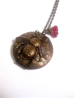 Hey, I found this really awesome Etsy listing at https://www.etsy.com/listing/463834581/bee-locket-necklace-steampunk-jewelry