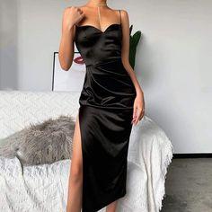 Elegant Party Dresses, Lace Summer Dresses, Summer Dresses For Women, Necklines For Dresses, Types Of Dresses, Black Silk Dress, Hot Black Dress, Bodycon Dress Parties, Slit Dress