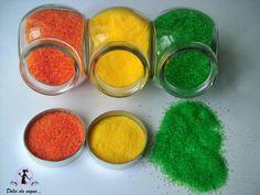 Preparare dello zucchero colorato per decorare è molto semplice, facile ed economico. Occorre:zucchero semolatocolori alimentarisacchetti …