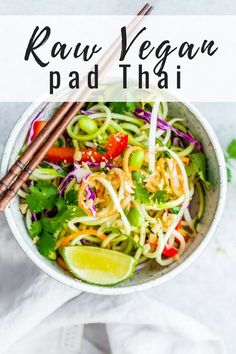 This raw vegan pad Thai recipe uses zucchini in place of noodles and has a delicious peanut butter dressing! It's also gluten-free and keto. Raw Vegan Dinners, Raw Vegan Recipes, Vegan Dinner Recipes, Vegan Foods, Whole Food Recipes, Vegetarian Recipes, Healthy Recipes, Keto Dinner, Vegan Cru