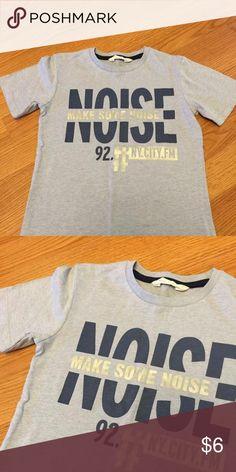 H&M boys t-shirt H&M boys t-shirt size 6-8 H&M Kids Shirts & Tops
